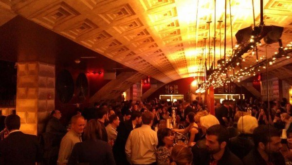 Interior photo of a crowded Grand Central bar in D.C.