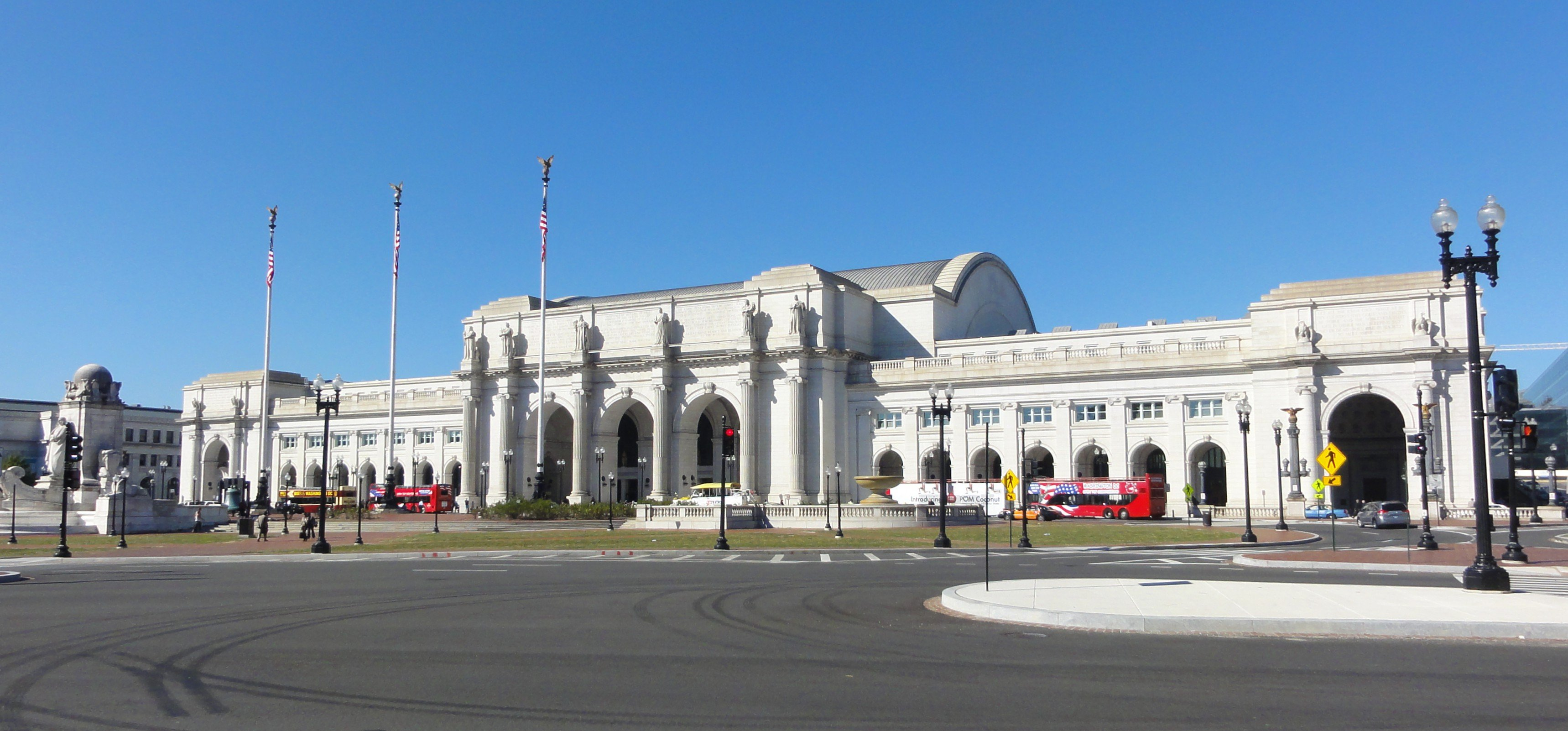 A landscape photo of Union Station (Washington, D.C.). Opened in 1907, it is Amtrak's headquarters and the railroad's second-busiest station, with annual ridership of over 5 million.[6] The station also serves MARC and VRE commuter rail services, the Washington Metro, and buses.